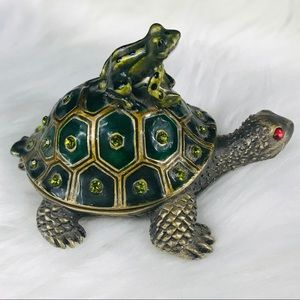 Turtle & Frog Compartment Case